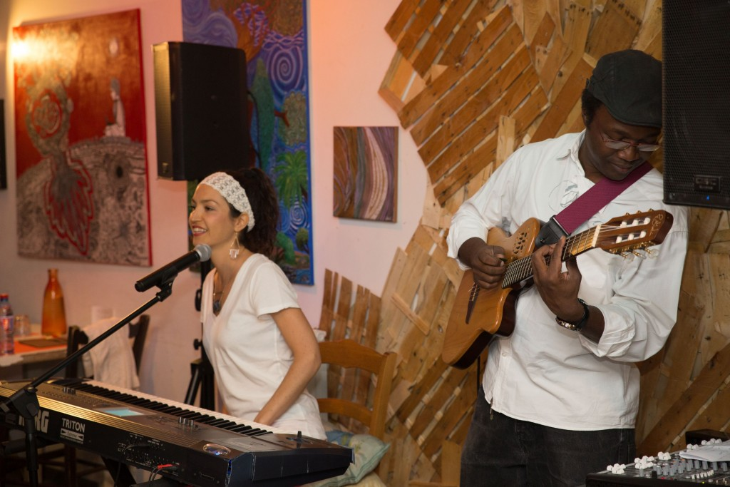 Lea Van Sky and Papy Mallo at the Court Circuit Cafe, Nice